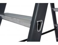 Соединение ступеней с боковинами методом 32-кратной развальцовки. Опорные боковины - 50х20 мм