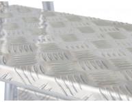 Ступени из рифленого листового алюминия